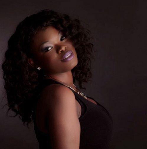 Singer Tiffany Monique