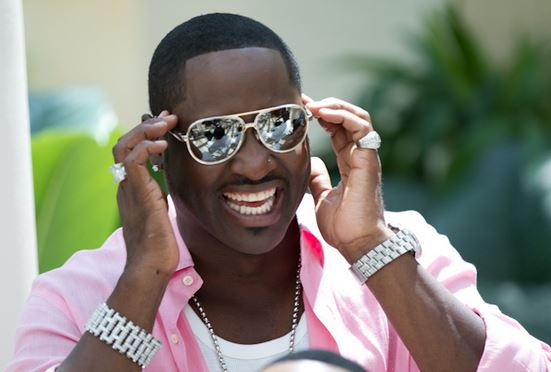 Johnny Gill catches some rays in the Florida sun.
