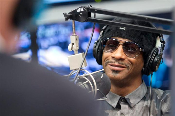 Katt Williams takes over the Red Velvet Cake Studios.
