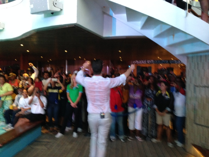 Robin Thicke jumps into the crowd at the 2014 Fantastic Voyage!