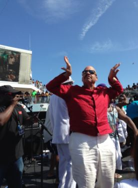 Tom Joyner representing Omega Psi Phi!