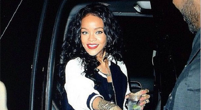 Rihanna had her Instagram account deleted after uploading a magazine cover where she appeared topless.