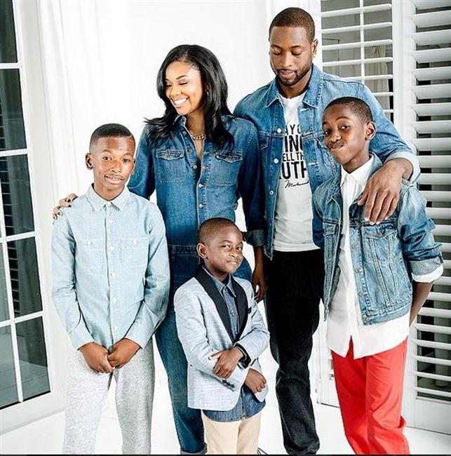 Dwayne Wade, Gabrielle Union and his two sons and nephew