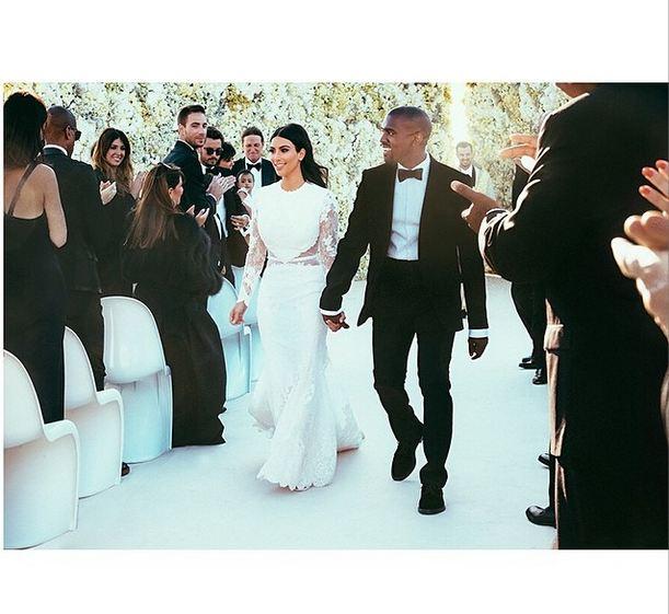 Kim-Kardashian-Instagram-Kanye-2