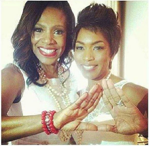 Sheryl Lee Ralph and Angela Bassett