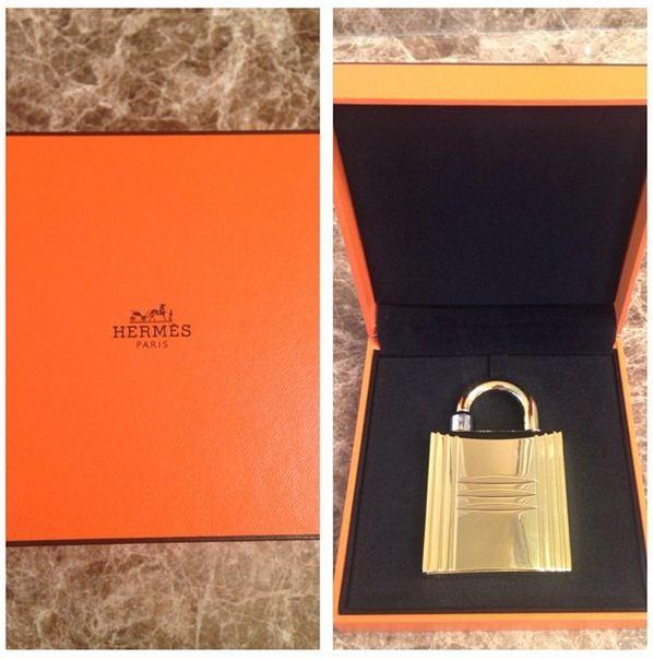Nene Leakes flaunts her new Hermes perfume from her hubby.