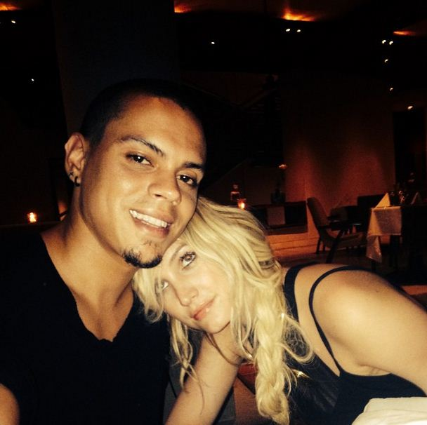 Evan and Ashlee Simpson-Ross