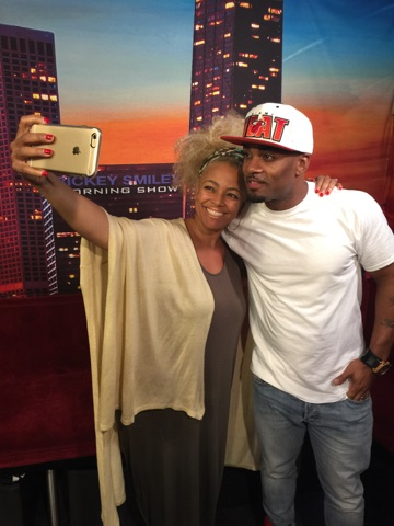Kim Fields and Willie snap a photo!