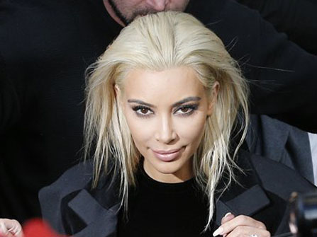 …so when Kimmy wore a platinum blonde look during Paris Fashion Week, we were definitely shocked!