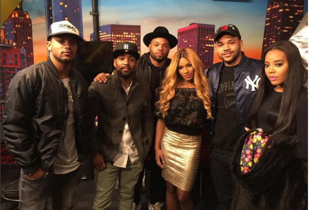 """Willie Moore with the """"Growing up Hip-Hop"""" cast"""