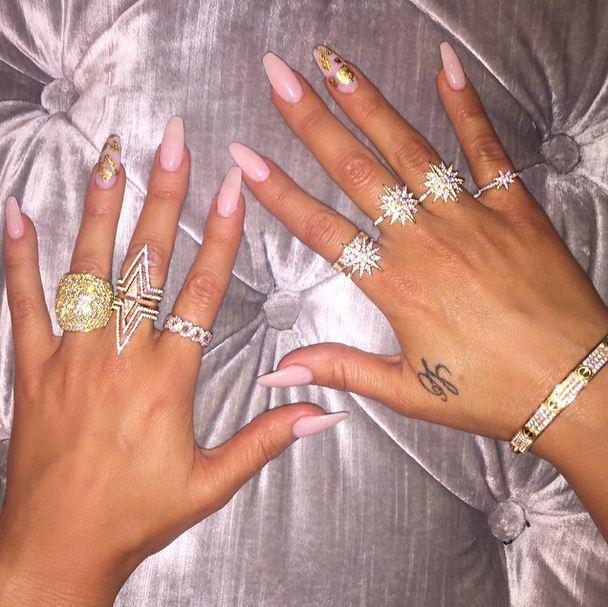 Khloe Kardashian shows off her diamonds