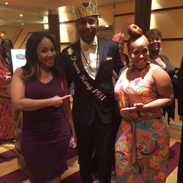 Mary Mary meet the Prom King.