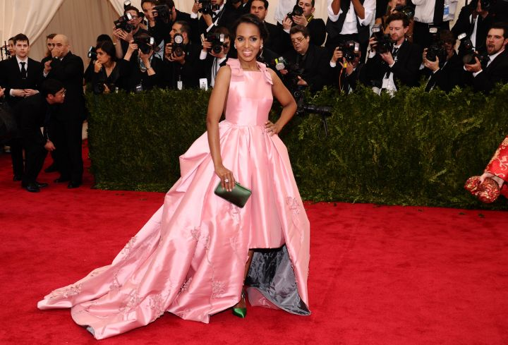 Kerry Washington is pretty in a pink Prada gown