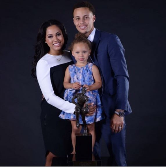 d99c741d10bd How Steph Curry Helped These Light-Skinned Celebrities