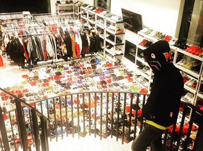 Chris-Brown-closet_
