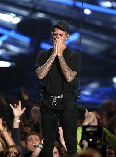 Justin Bieber got emotional on stage.