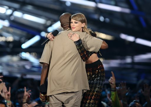 Taylor Swift presented Kanye West with the Michael Jackson Video Vanguard award.
