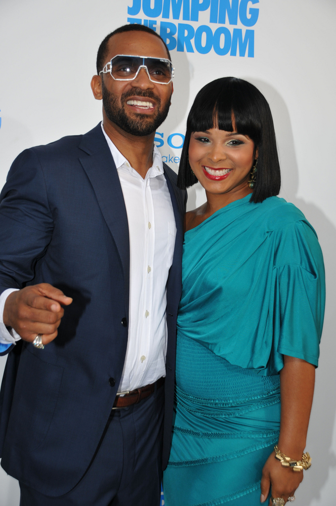 "05/04/2011 - Mike Epps and Mechelle Epps - ""Jumping the Broom"" Los Angeles Premiere - Arrivals - Arclight Cinerama Dome - Hollywood, CA, USA - Keywords: Orientation: Portrait Face Count: 1 - False - Photo Credit: Koi Sojer / PR Photos - Contact (1-866-551-7827) - Portrait Face Count: 1"
