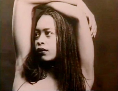 Erykah Badu Can Make You Put Your Phone Down | Majic 102 3