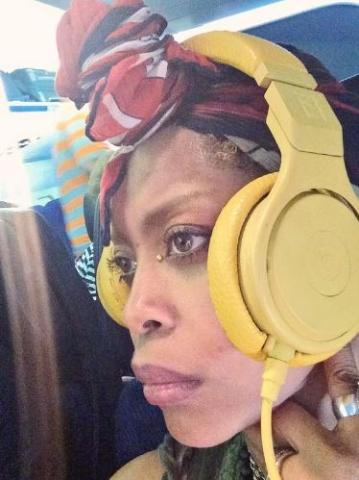 Erykah Badu Can Make You Put Your Phone Down | Majic 102 3 - 92 7