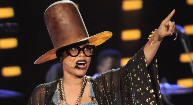 Erykah Badu Gets Pulled Over By Fans