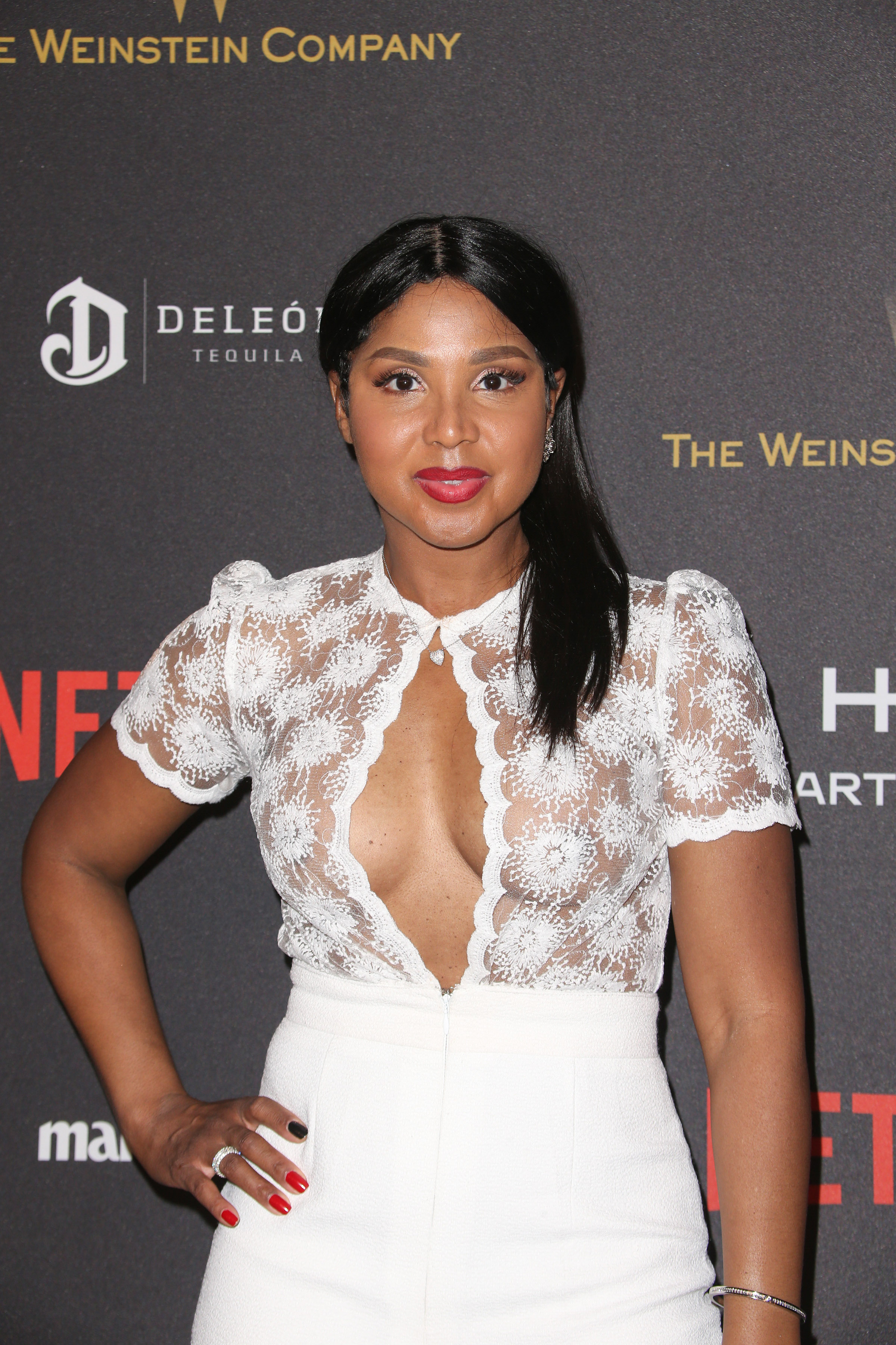 01/10/2016 - Toni Braxton - 2016 Weinstein Company and Netflix Golden Globes After Party - Arrivals - The Beverly Hilton Hotel - Beverly Hills, CA, USA - Keywords: Vertical, Social Event, Portrait, Photography, Arts Culture and Entertainment, Attending, Celebrities, Celebrity, Person, People, Topix, Bestof, 73rd Golden Globe Awards, 73rd Annual Golden Globe Awards Afterparty, Los Angeles, California Orientation: Portrait Face Count: 2 - False - Photo Credit: PRPhotos.com - Contact (1-866-551-7827) - Portrait Face Count: 2