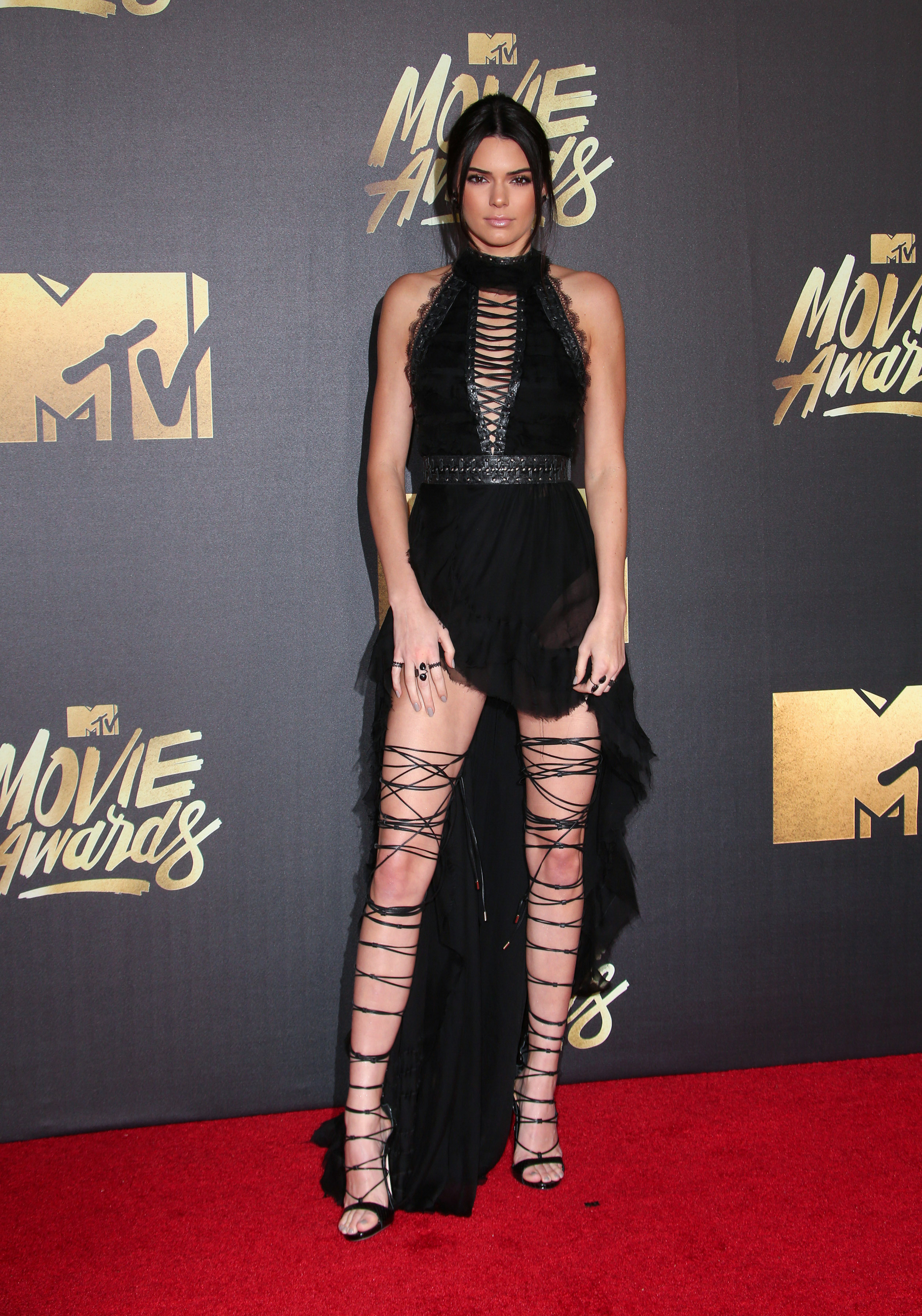 "04/09/2016 - Kendall Jenner - 2016 MTV Movie Awards - Arrivals - Warner Bros. Studios - Burbank, CA, USA - Keywords: Woman, GIrl, Model, ""Keeping Up with the Kardashians"", Reality TV, Vertical, Film Industry, Award Show, People, Person, Arrival, Portrait, Photography, Arts Culture and Entertainment, Celebrity, Celebrities, Topix, Bestof, Red Carpet Event, Annual Event, California Orientation: Portrait Face Count: 1 - False - Photo Credit: PRPhotos.com - Contact (1-866-551-7827) - Portrait Face Count: 1"