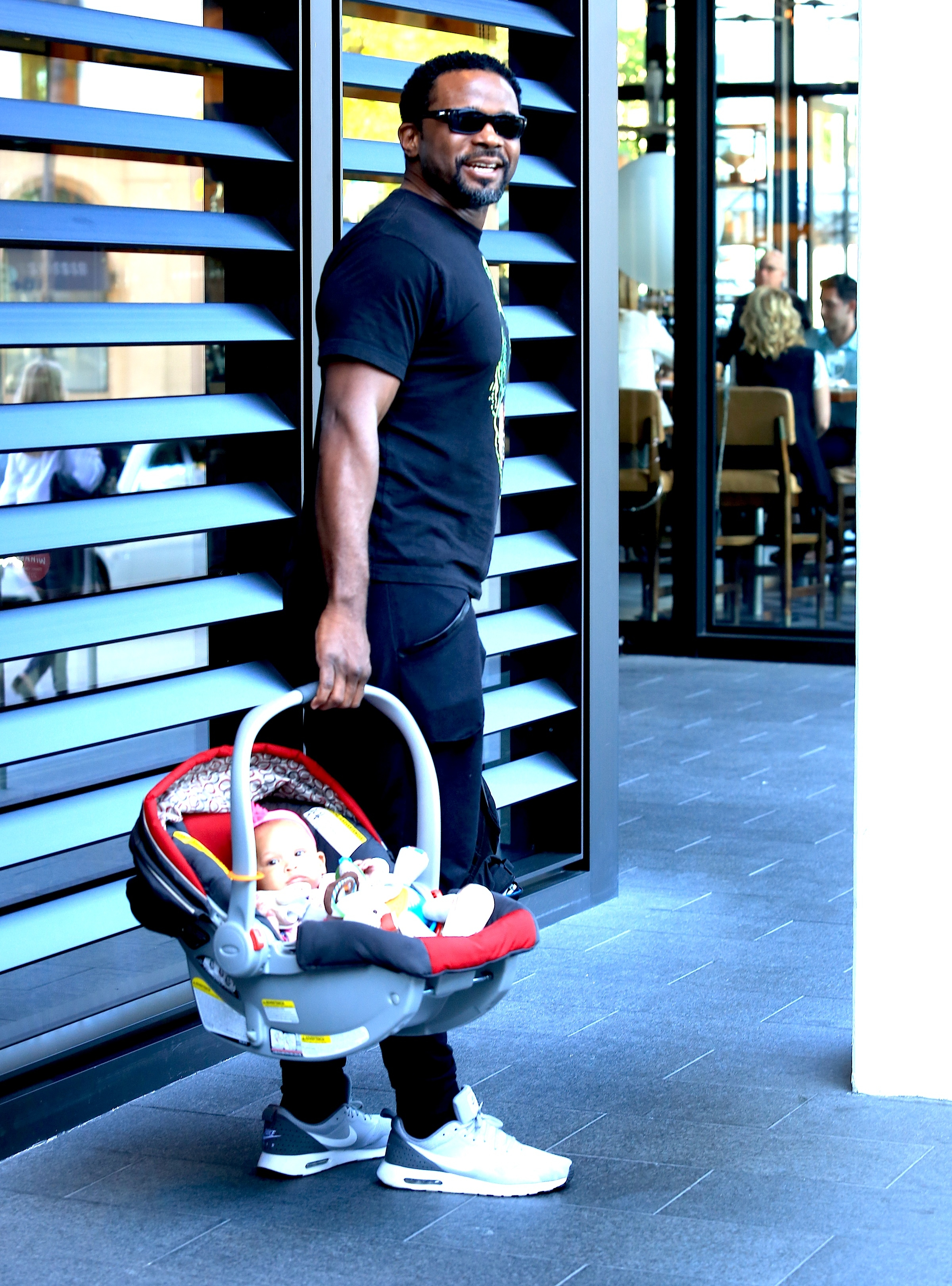04/01/2016 - Darius McCrary - Celebrity Sightings in Beverly Hills on April 1, 2016 - Beverly Hills - Beverly Hills, CA, USA - Keywords: Orientation: Portrait Face Count: 1 - False - Photo Credit: Winston Burris / PR Photos - Contact (1-866-551-7827) - Portrait Face Count: 1