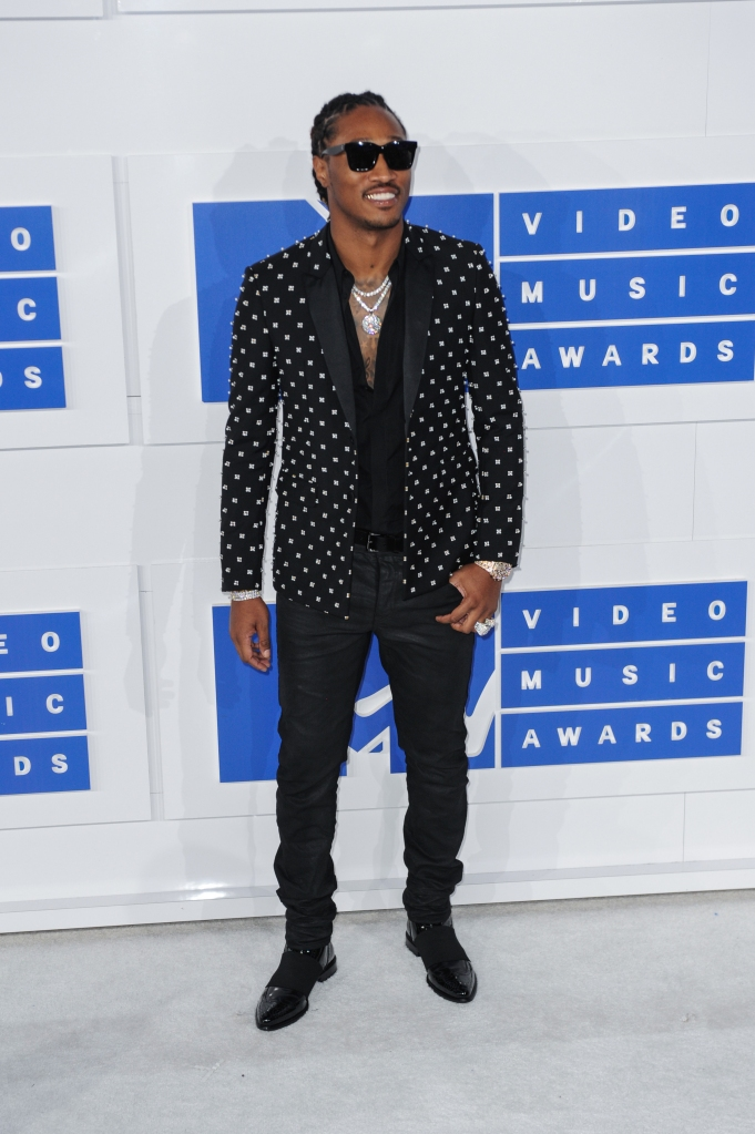 08/28/2016 - Future - 2016 MTV Video Music Awards - Arrivals - Madison Square Garden - New York, NY, USA - Keywords: full length, rapper, sunglasses Orientation: Portrait Face Count: 1 - False - Photo Credit: Aaron J. Thornton / PR Photos - Contact (1-866-551-7827) - Portrait Face Count: 1