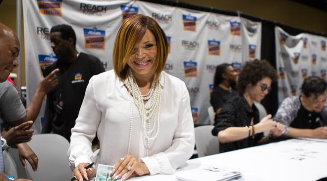 Chrisette Michele, Celebrity Autograph Signings
