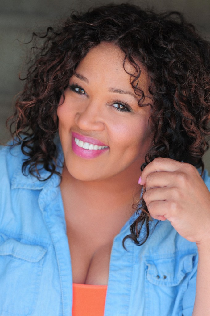 kym-whitley-cleavage