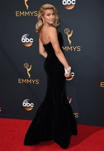 Tori Kelly arrives at the 68th Primetime Emmy Awards on Sunday, Sept. 18, 2016, at the Microsoft Theater in Los Angeles. (Photo by Jordan Strauss/Invision/AP)