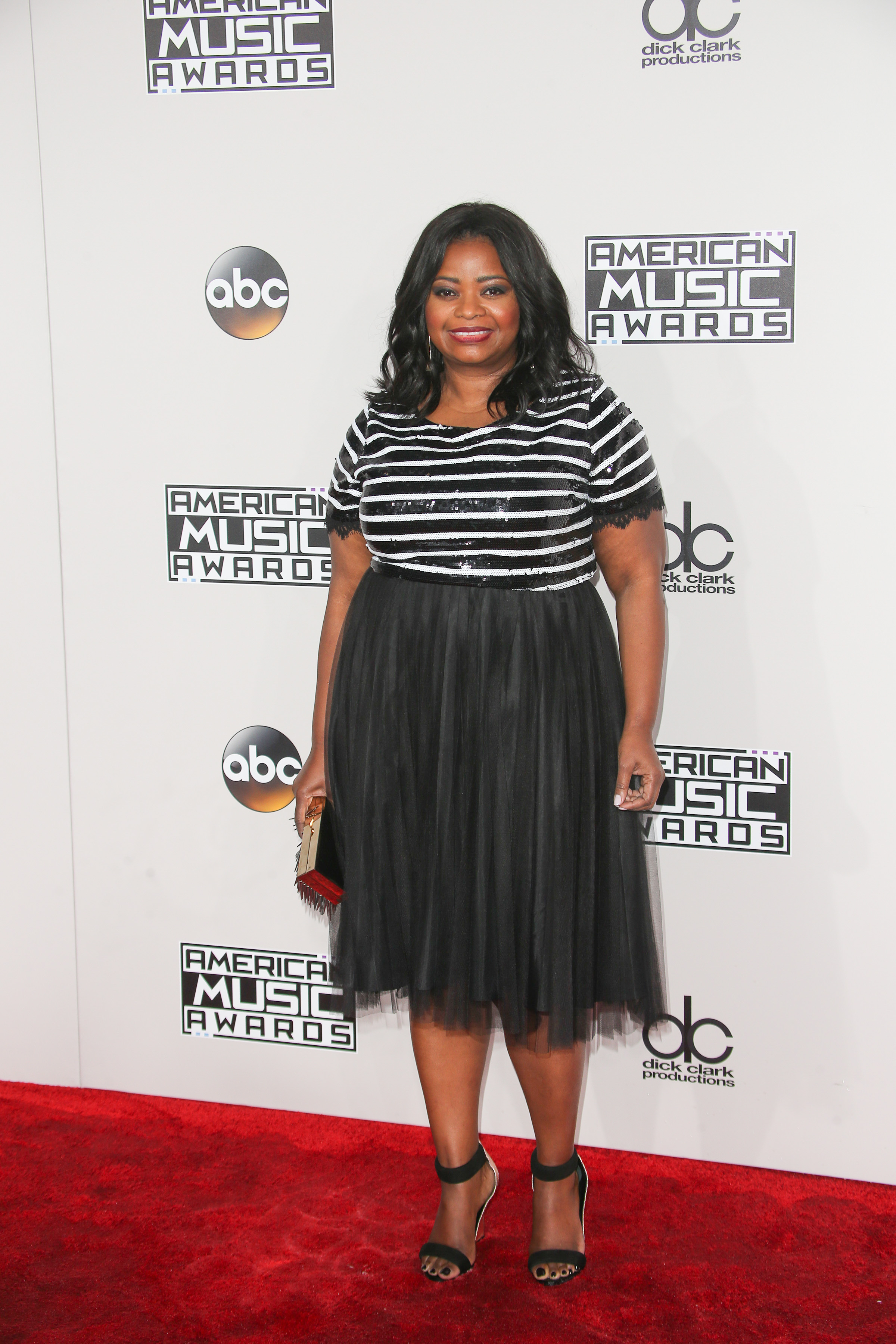11/20/2016 - Octavia Spencer - 2016 American Music Awards - Arrivals - Microsoft Theater, 777 Chick Hearn Court - Los Angeles, CA, USA - Keywords: Vertical, California, Arts Culture and Entertainment, Celebrities, Celebrity, Person, People, Red Carpet Event, Annual Event, Topix, Bestof, Portrait, Photography, Photograph, 2016 AMA Awards, California Orientation: Portrait Face Count: 1 - False - Photo Credit: PRPhotos.com - Contact (1-866-551-7827) - Portrait Face Count: 1