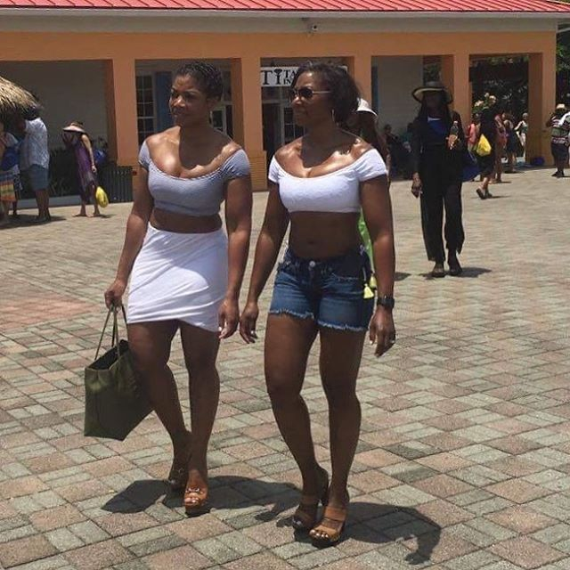 These ladies are another example of #cruiseweargoals
