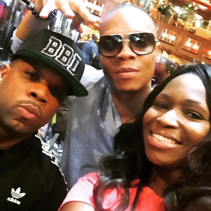 Michael Bivins and Ronnie DeVoe make some new friends.