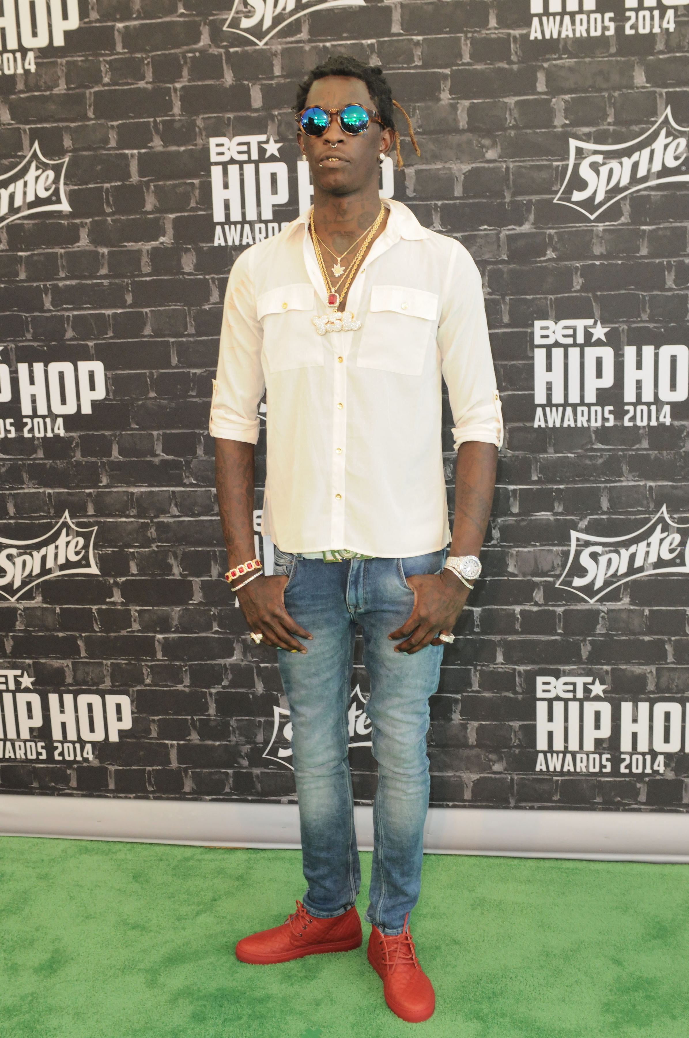 Rapper Young Thug Booked On Weapons Charge In Los Angeles