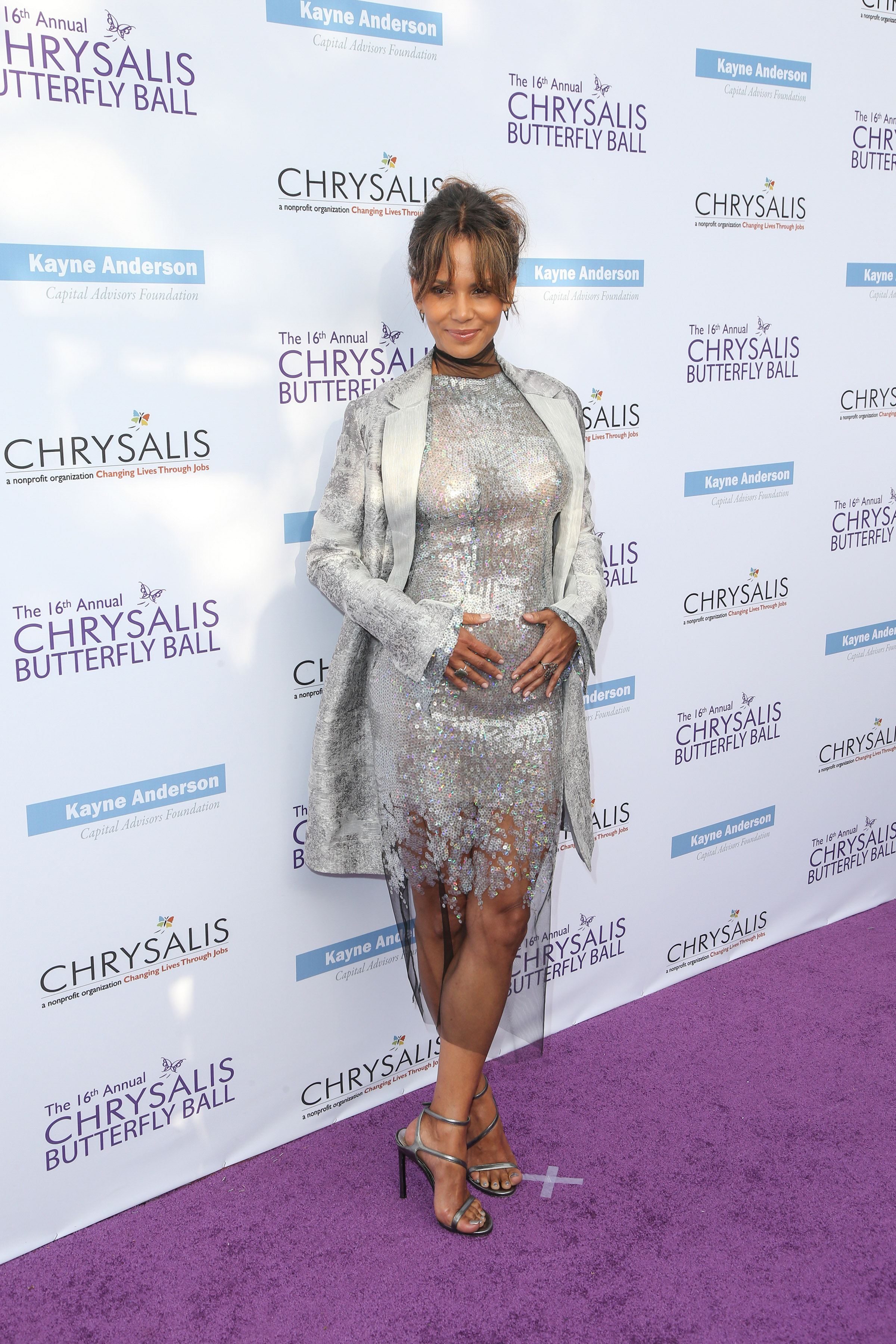 Is Halle Berry Pregnant With Her Third Child Black America Web