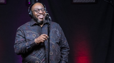 "Marvin Sapp On Why He Decided Not To Take R  Kelly Off Of ""Listen"