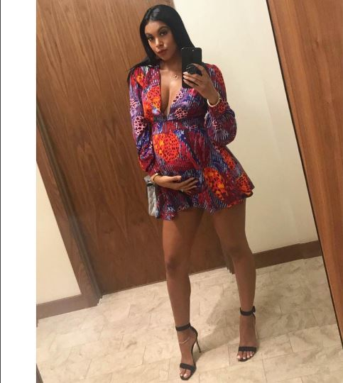 9 Month Pregnant Eniko Hart Puts Work In At The Gym