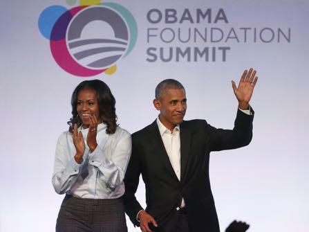 Barack Obama Jokes About Being 'Born In Kenya'