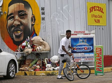 Louisiana District Attorney To Meet With Alton Sterling's Family