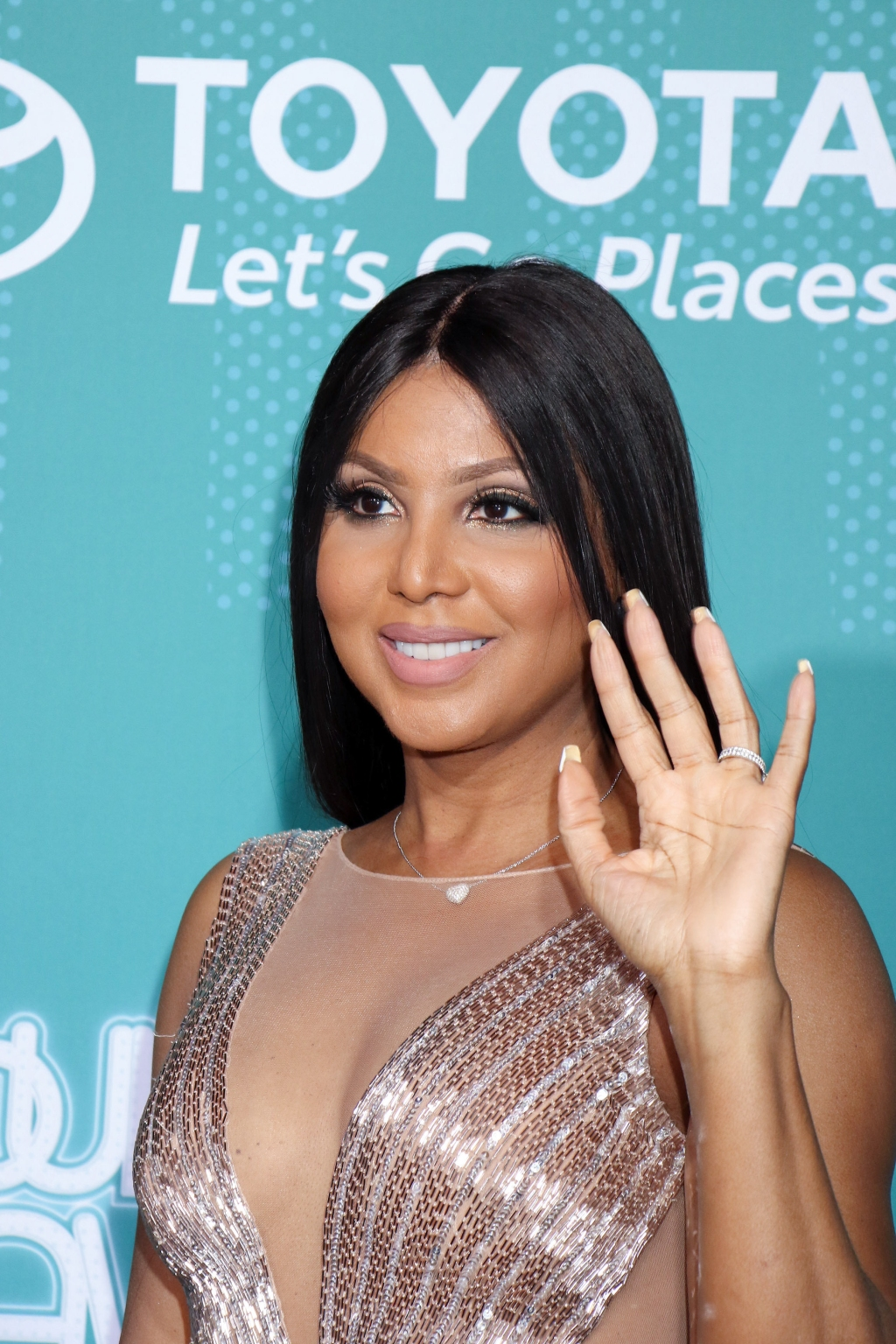 Fans Speculate On Toni Braxton's Changing Look | Black America Web