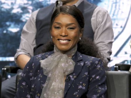 '911' Stars Angela Bassett, Aisha Hinds Helped By Real-Life First Responders