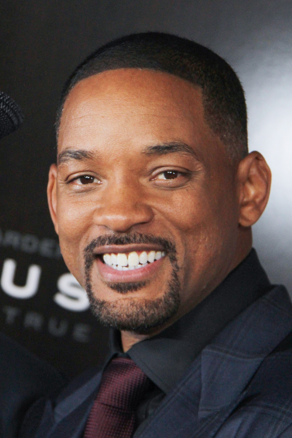 Will Smith Tries His Hand at Stand-Up Comedy in His New ...  |Will Smith
