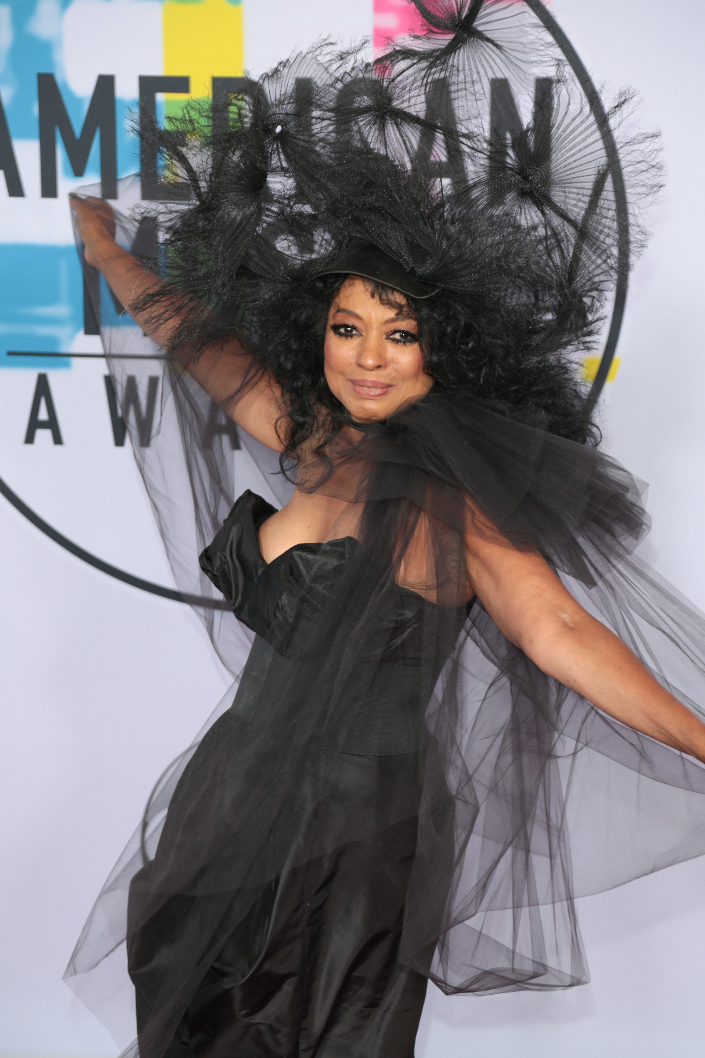 Diana Ross And Barbra Streisand Defend Michael Jackson