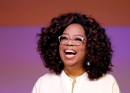 Oprah Winfrey Visits Maui Humane Society Following Wildfire
