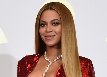 Beyoncè, Meghan Markle Create #BlackGirlMagic In First Meeting At Premiere [VIDEO, PHOTO]