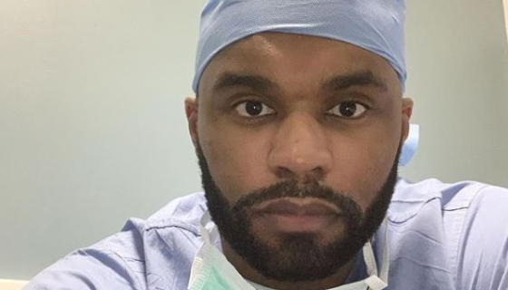 Former NFL Player Myron Rolle Is Now A Doctor Fighting Coronavirus ...